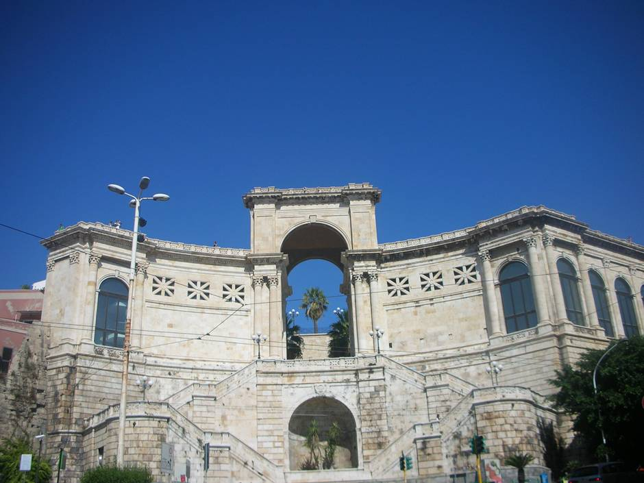 Visiting Cagliari is one of the things to do in Sardinia: here, Bastione di San Remy
