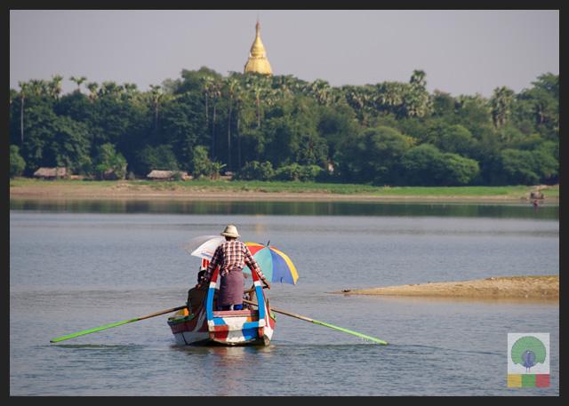 U Bein Teak Bridge - Boat Ride at Taungthaman Lake - Amarapura - Mandalay - Myanmar (Burma)