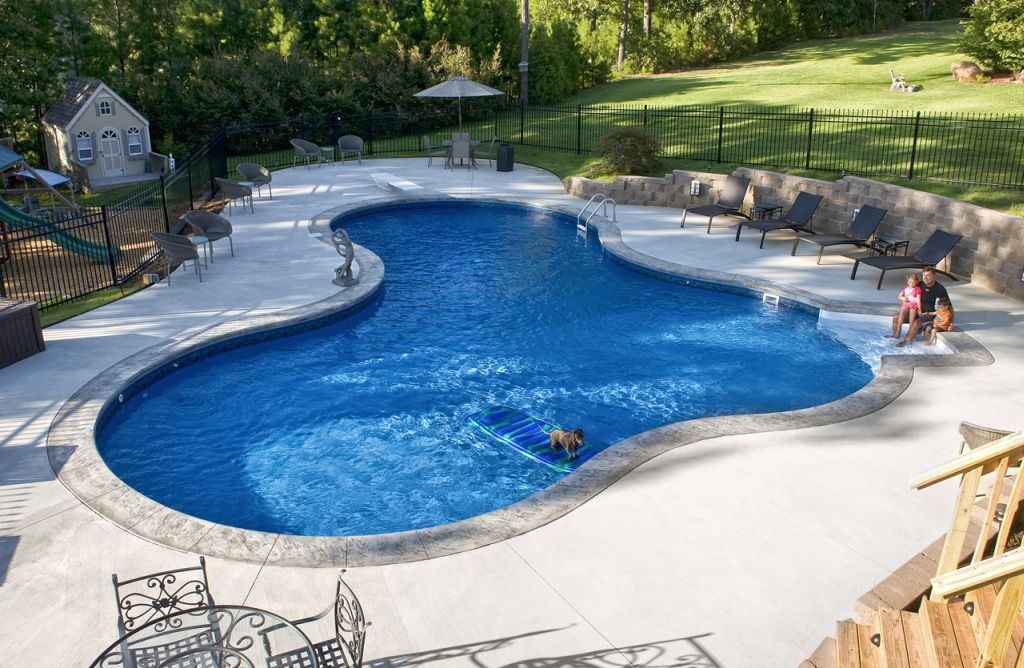 Best backyard swimming pool designs for Pool design 2015