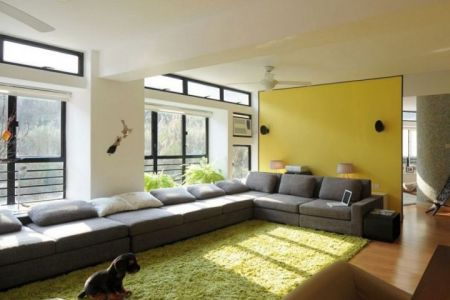 simple long living room ?x34469