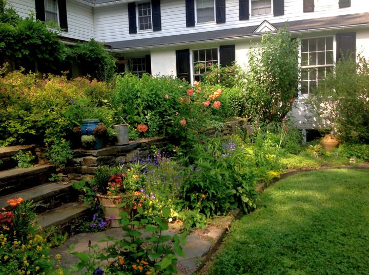 17 Fantastic Terraced Flower Garden Ideas