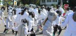 Slideshow: Fencing mob
