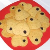 Линцерови сладки с бадемово брашно и боровинки