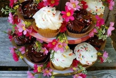 Floral {Cup} Cake Stand