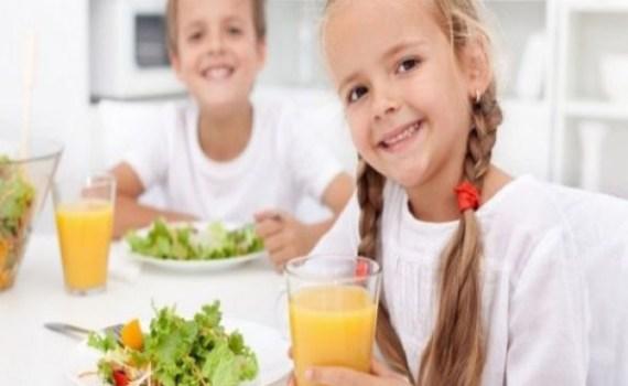12 εύκολα τρικ για να βελτιώσετε τη διατροφή των παιδιών σας