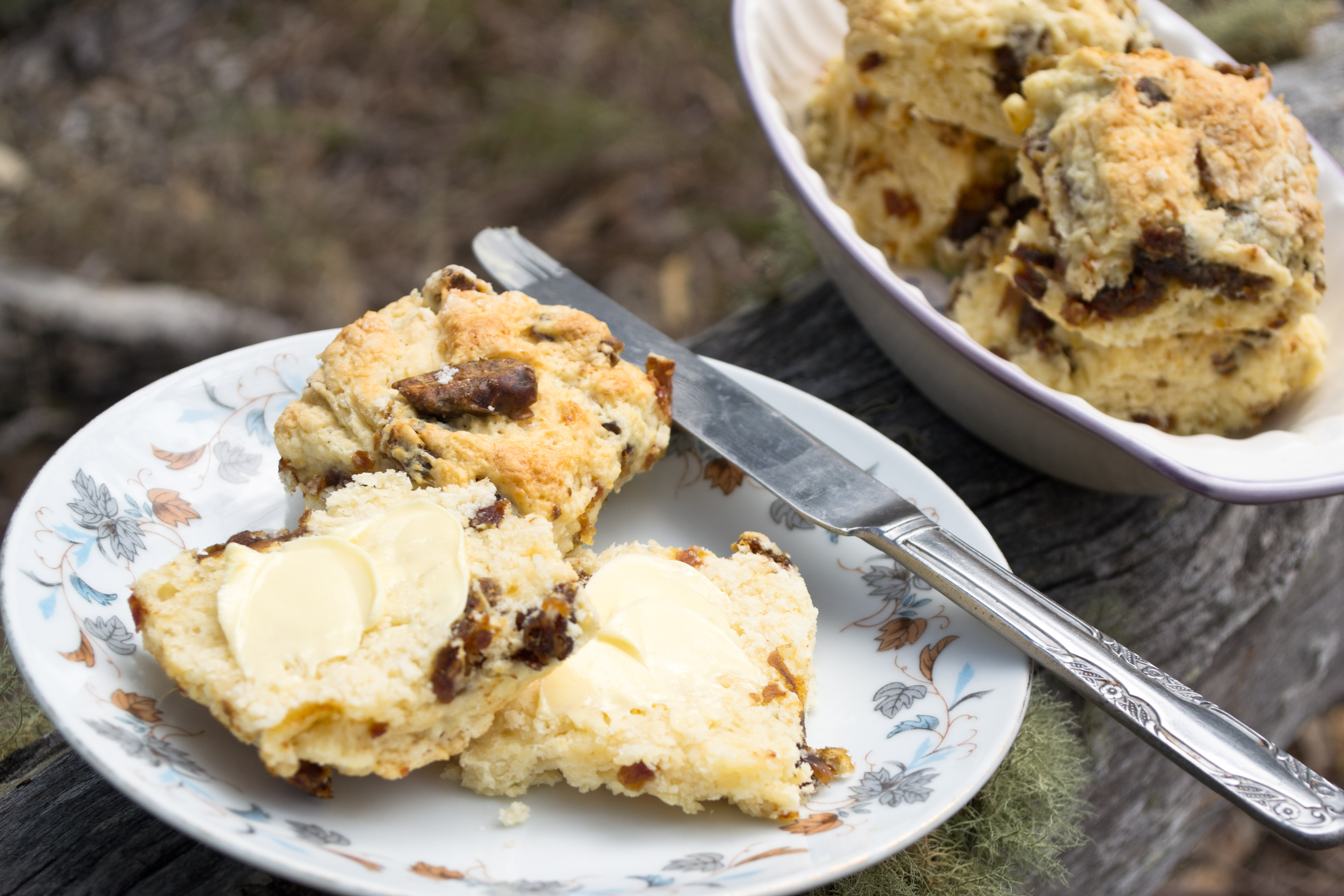 Cream Scones with Dates