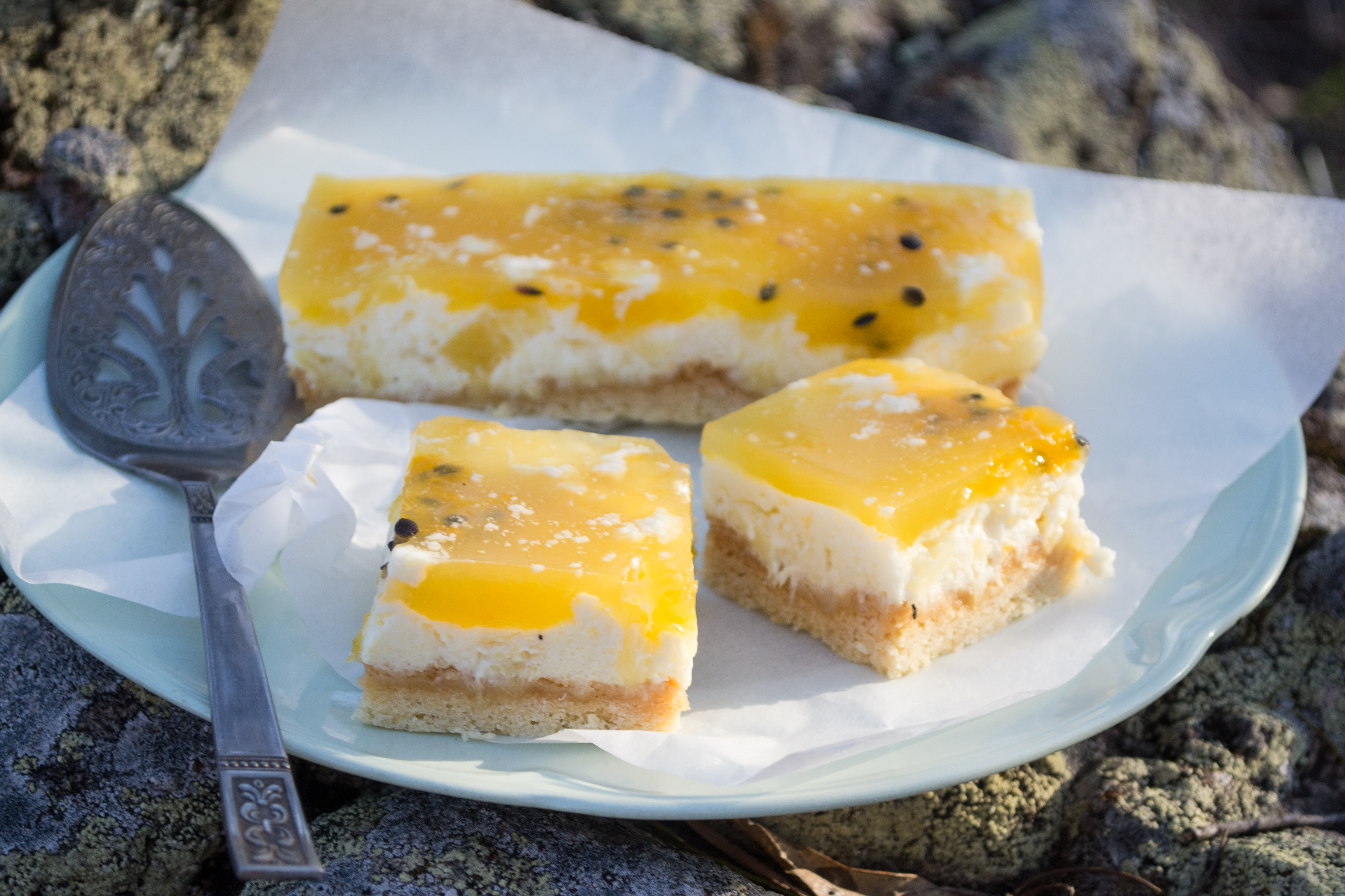 Pineapple and Passsionfruit Cheesecake Slice {Twelve Plates of Christmas}