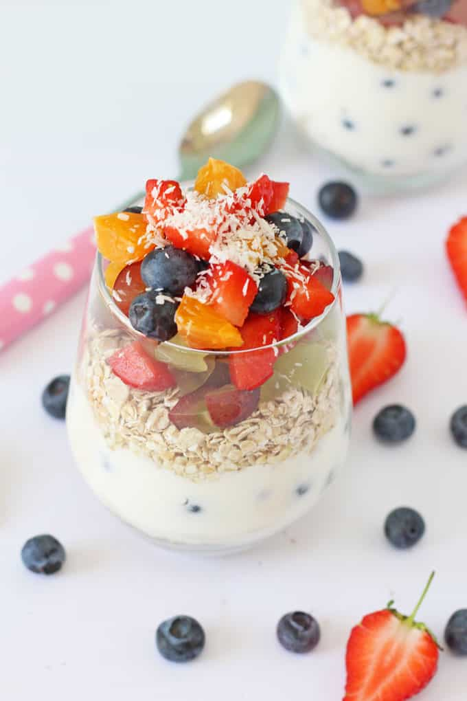 Kids will love making their own Breakfast Pots with yogurt, fruit and oats. A delicious and healthy breakfast!   My Fussy Eater blog