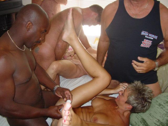 nudist hedonism thumbs