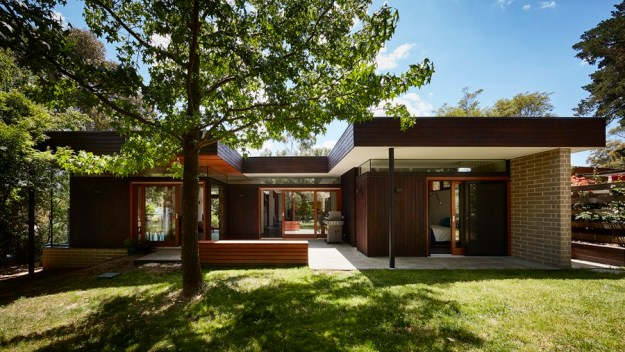 doncaster-by-steffen-welsch-architects-01