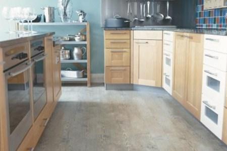 kitchen floor tiles with light kitchen cabinets