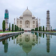Taj Mahal-mirroring side angle