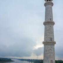 Taj Mahal-tower river