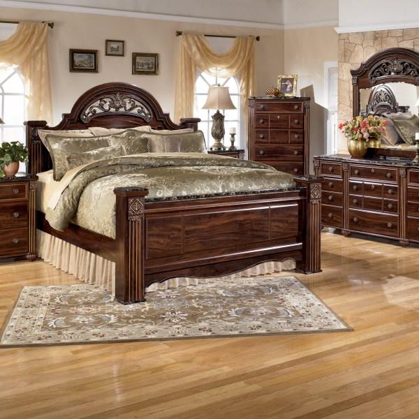 B347 Ashley Lisys Discount Furniture