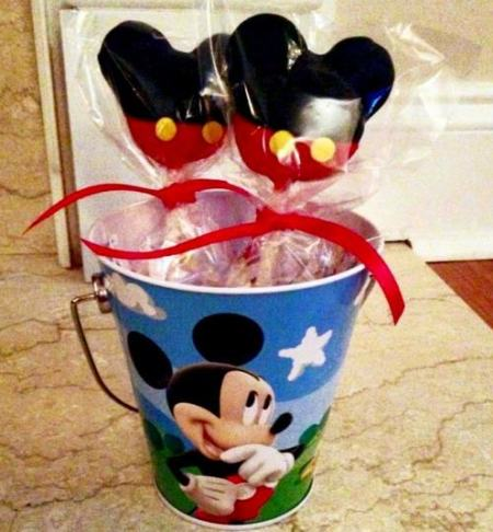 Mickey Mouse Head Cake Pops