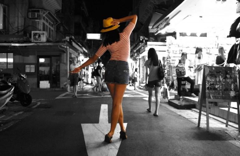 night-market-walk