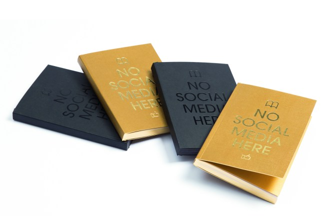 MyPaperBook-no-social-media-here-gold-black-notebook-made-in-france