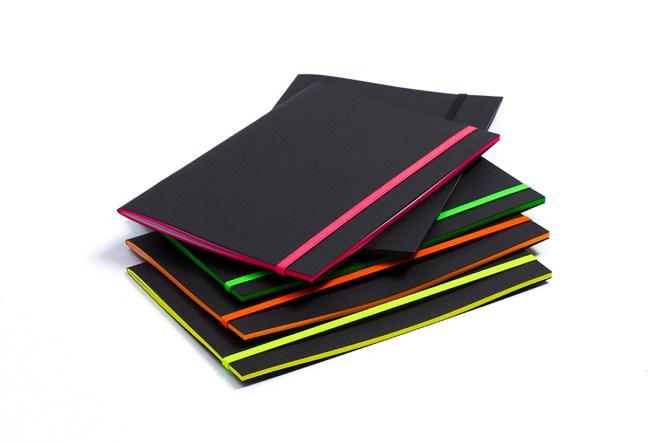 blacknotebook carnet elastique fluo