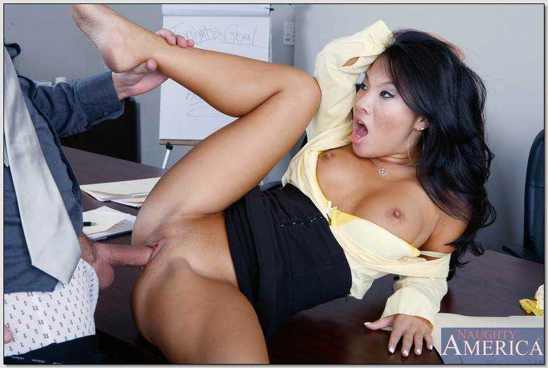 nikki rhodes secretary