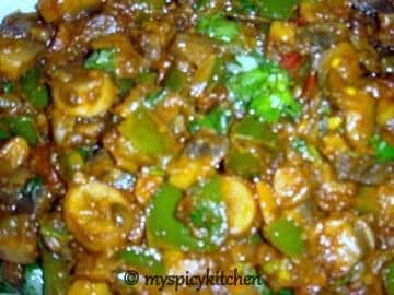 mushrooms green bell peppers cury, mushroom capsicum curry