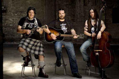 Acoustic Revolution am Samstag, 4.2.12  im KiCK