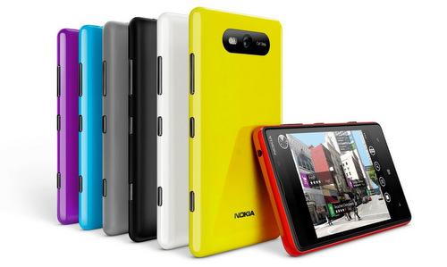 NokiaLumia820-001
