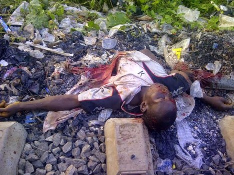 CUT NL3 HORRIBLE: Man Cut Into Pieces At Railway Crossing Line In Ibadan [Viewer  Discretion]