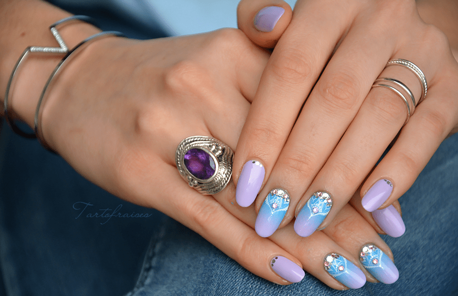 nail art bijou oriental bleu et violet tartofraises. Black Bedroom Furniture Sets. Home Design Ideas