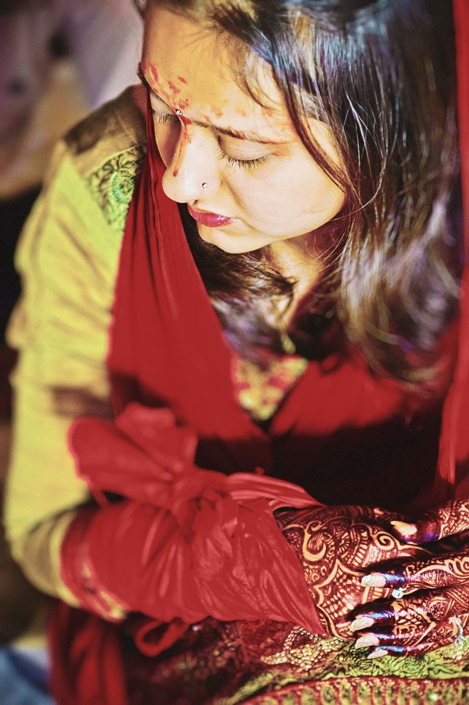 Kshitija-Chuda-Ceremony-Indian-Wedding-Photographer-Naina-Knottytales-11.jpg
