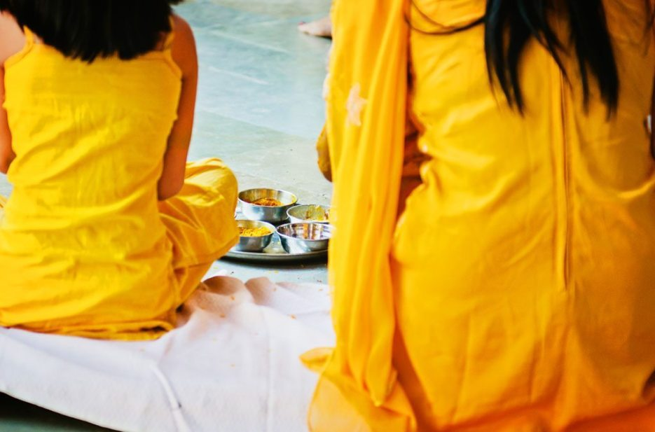 Anuradha-Mehendi-Pradhanam-Indian-Wedding-Photography-Knottytales-Naina-09.jpg