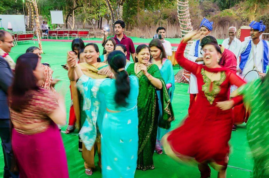 Anuradha-Vaibhav-Engagement-Indian-Wedding-Photography-Knottytales-Naina-21.jpg