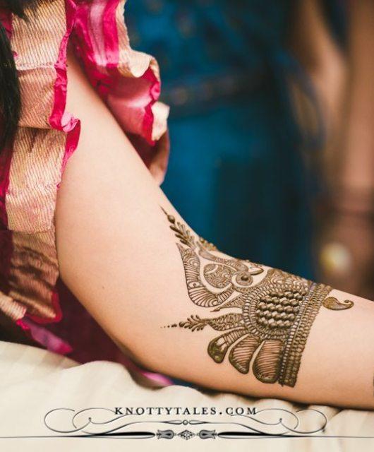Meera-Weds-Praval-Knottytales-Wedding-Photography-Naina.co-Photographer-Mehendi-Ceremony-Bride-12.jpg