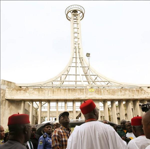 FASHOLA SEEN IN ONITSHA - NNAMDI AZIKIWE BURIAL SITE