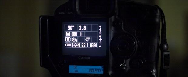 De camera op de meest gevoelige instelling - nu kan de belichtingsmeter wel meten