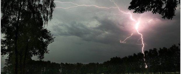 Flits !! Een prachtige bliksemflits, gevangen door op tijd op de ontspanknop te drukken