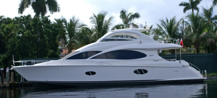 68_lazarra_naples_yacht_charter