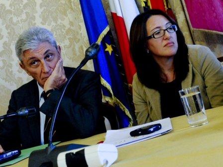 Primarie Pd Napoli Roma sceglie Valeria Valente contro Antonio Bassolino