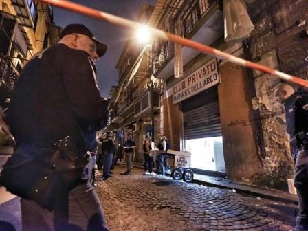 Napoli, sparatoria nel Rione Sanità: uccisi due pregiudicati e ferite tre persone