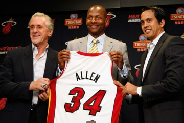 Ray Allen with Heat (Front)