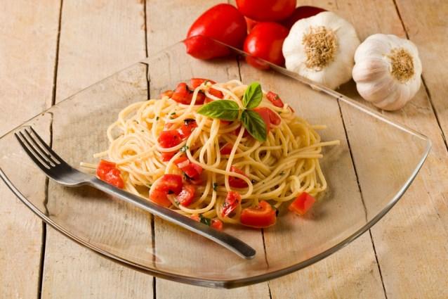 Спгетти с чесночным соусом