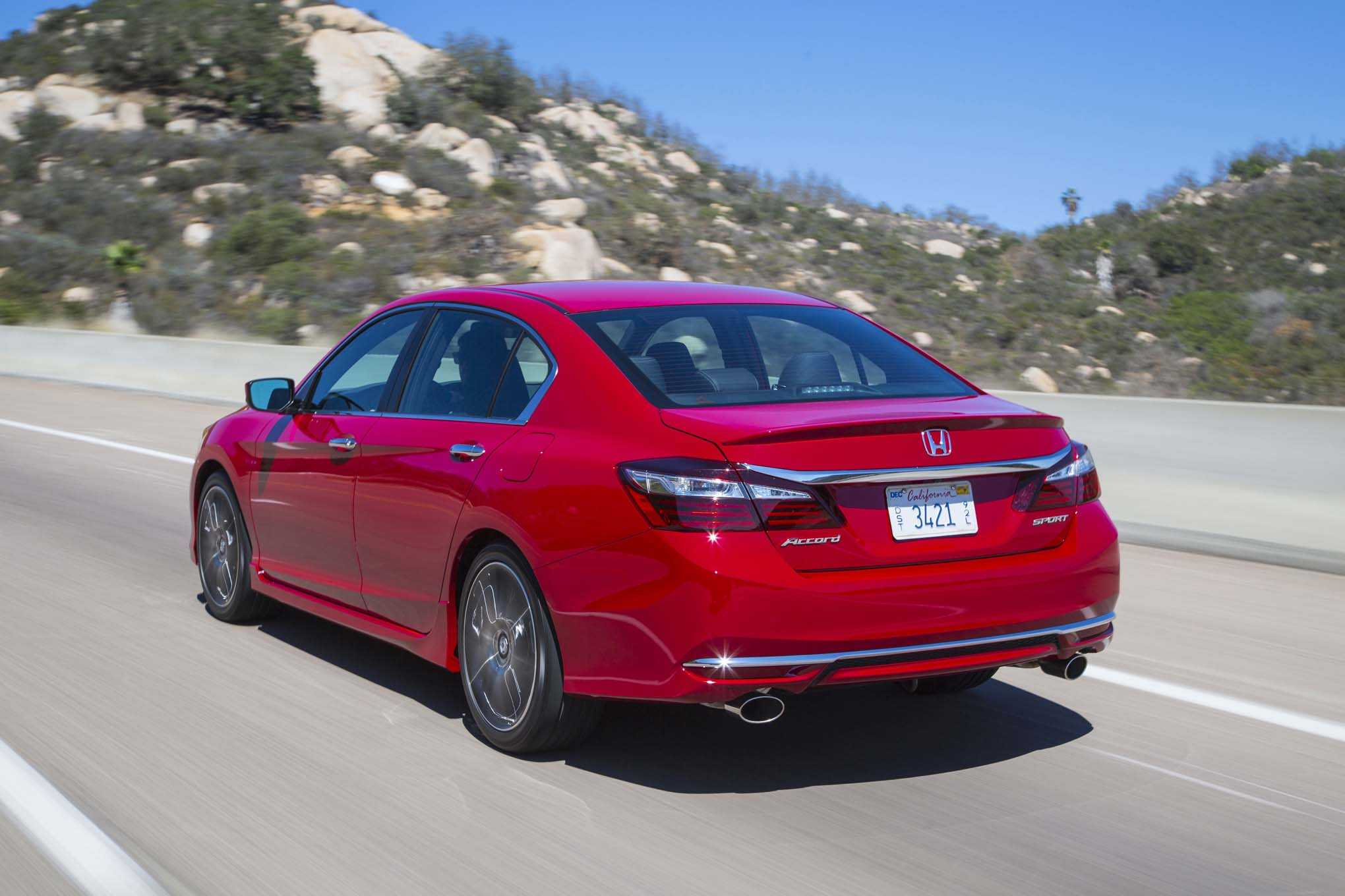 The fuel efficiency of the 2017 Honda Accord is also found to be on ...