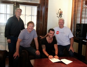 MV2 Entertainment Signs Artist/Songwriter Jay Allen