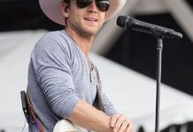 justin moore gives sneak peak,justin moore gives,justin moore,between you and me