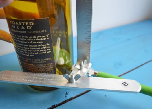 cutting glass bottle