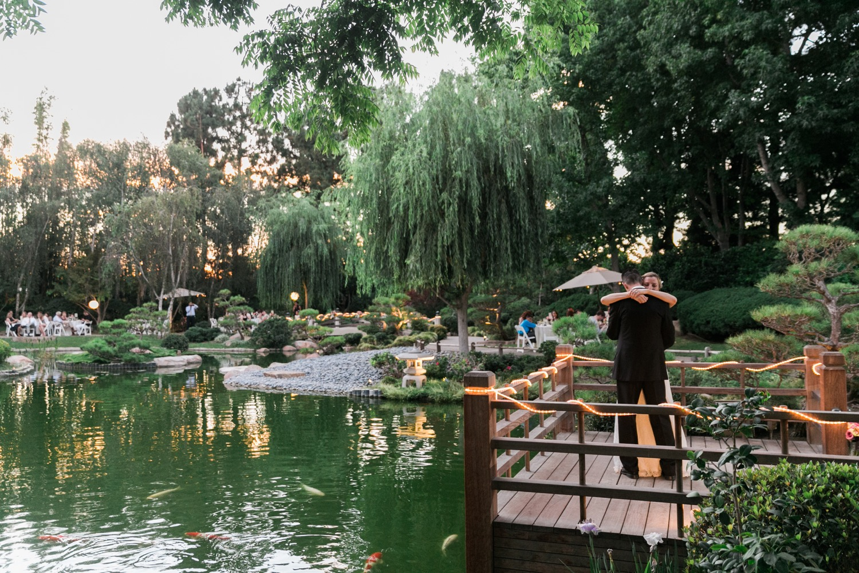 Earl burns miller japanese gardens csulb long beach for Koi fish pond csulb