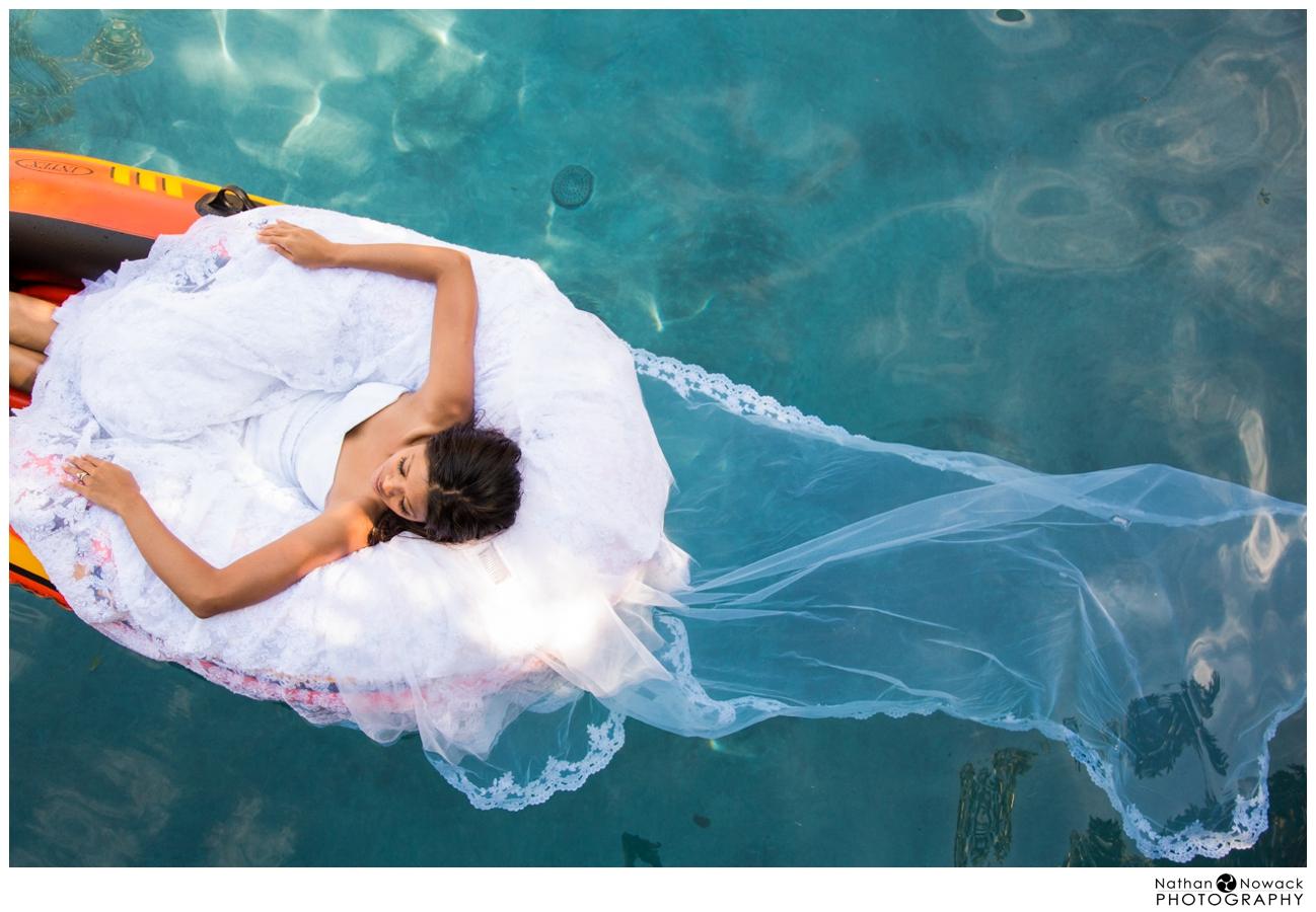 Underwater-trash-the-dress-pool-photo-shoot-wedding_0025