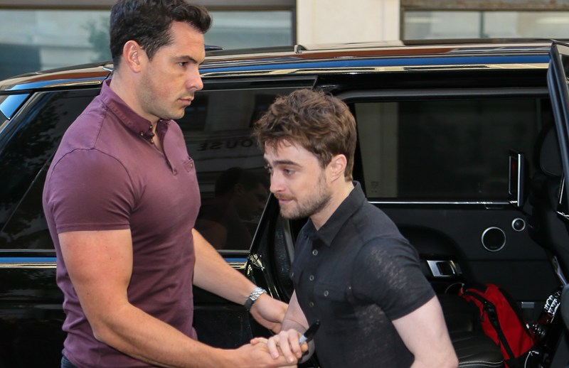 Daniel Radcliffe arriving at BBC Radio Two studios to promote his new film 'Imperium' on Chris Evans Breakfast Show - London   Pictured: Daniel Radcliffe Ref: SPL1361088  230916   Picture by: Splash News  Splash News and Pictures Los Angeles:	310-821-2666 New York:	212-619-2666 London:	870-934-2666 photodesk@splashnews.com