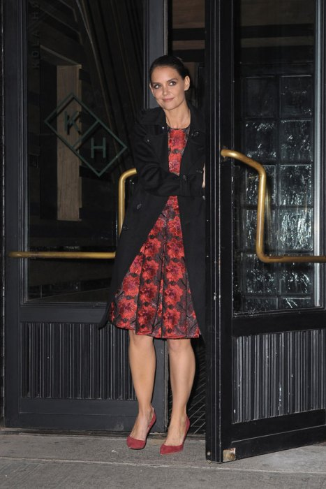 Katie Holmes Leaving NYC Hotspot Kola House Restaurant