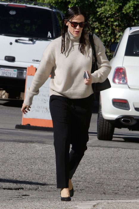 A Cheerful Jennifer Garner Goes to Church in LA