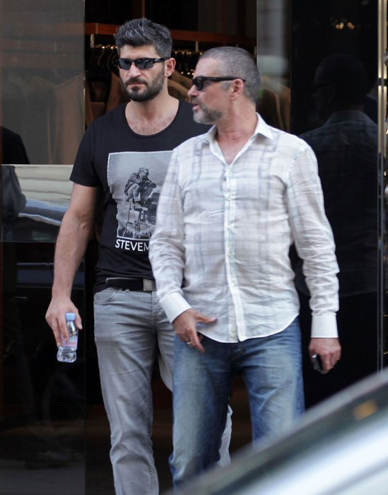 Semi-Exclusive… George Michael And Fadi Fawaz Out For Lunch In Paris